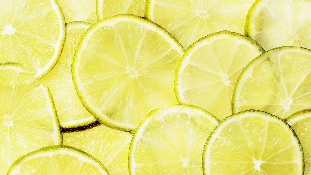 Mascarilla de clara de huevo, miel y limón