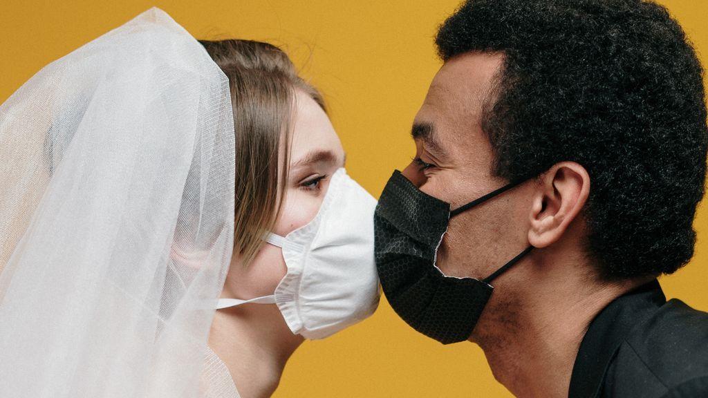 """Sexo y coronavirus: """"¿Es peligroso mantener relaciones con mi pareja?"""""""