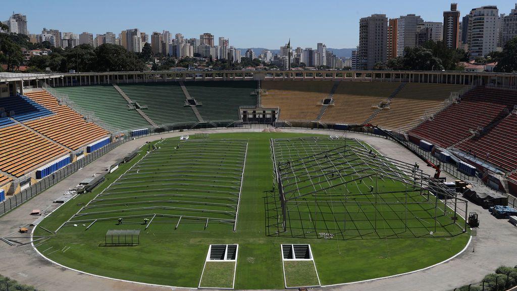 Estadios de fútbol de Brasil, como el estadio Pacaembu, se convierten en hospitales improvisados
