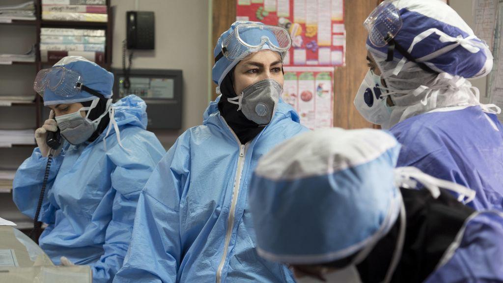 Las heridas en la cara de los sanitarios tras largas jornadas de trabajo frente al coronavirus