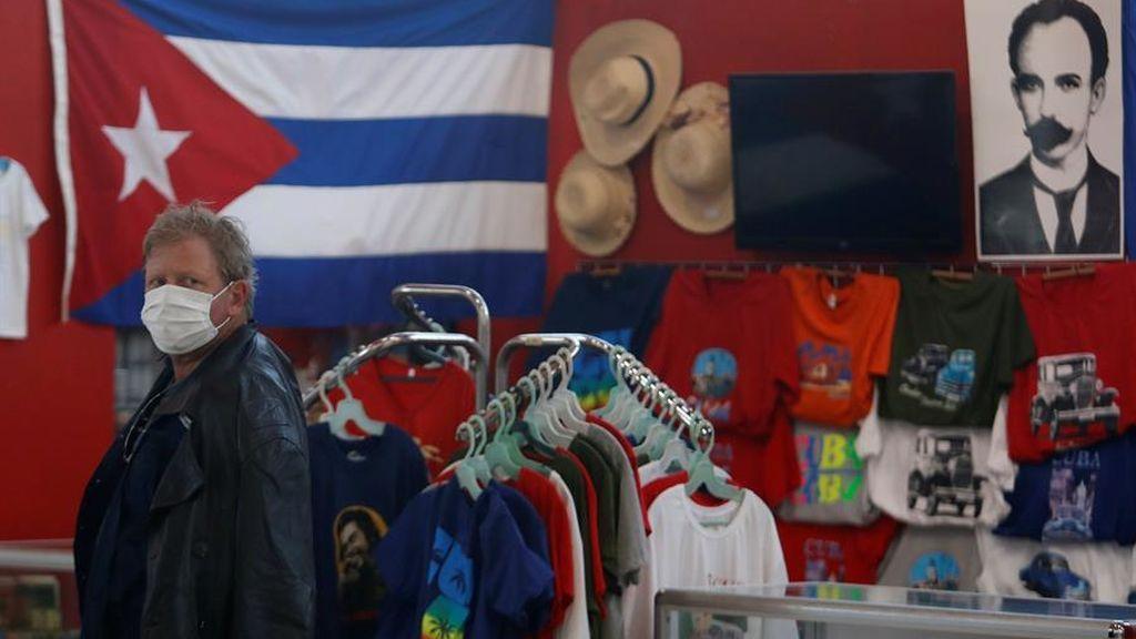 Cuba cierra sus fronteras y dicta el confinamiento