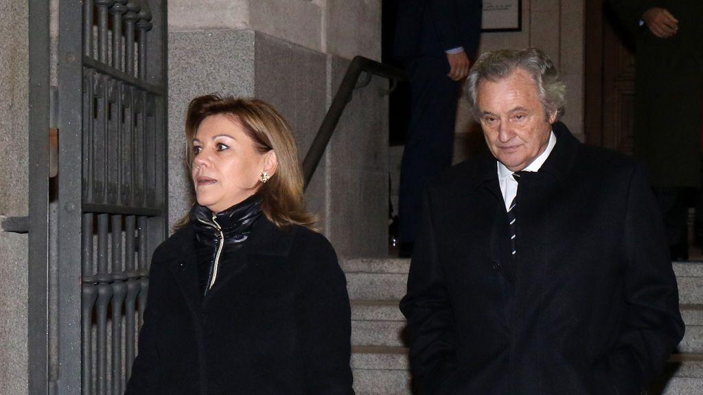 María Dolores de Cospedal y su marido positivos en coronavirus y confinados en casa