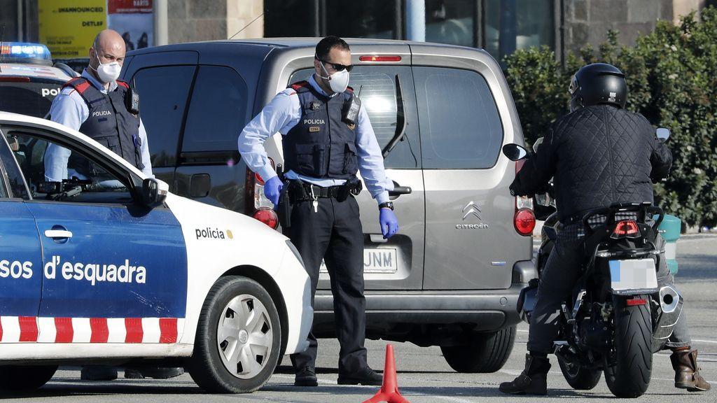 44 agentes de policía de Cataluña, positivo en coronavirus: además hay 1.432 que están aislados