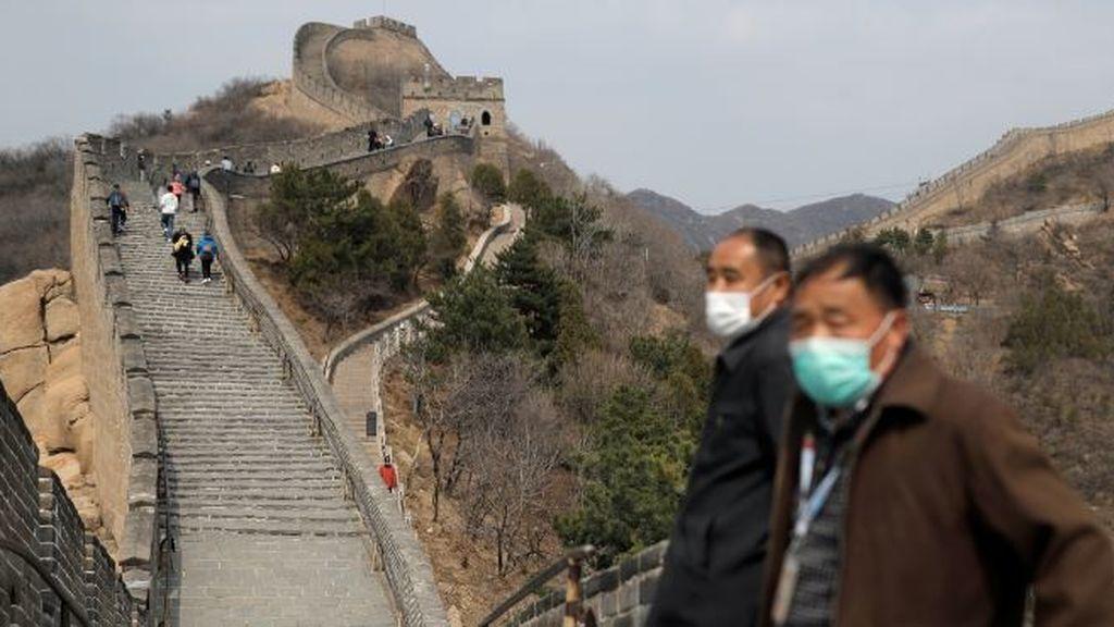 La Gran Muralla china abre al público con restricciones