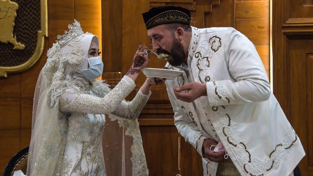Prohibido besar a la novia: casarse en tiempos del coronavirus