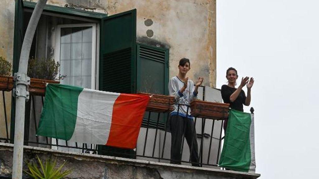 """En Italia ya no se aplaude en los balcones: """"Ojalá que en España no os pase lo mismo"""""""