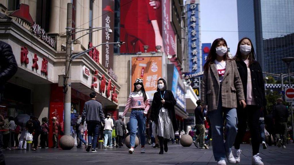 La cultura china de obedecer y callar frenó al coronavirus