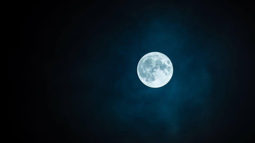Descubre los mitos sobre los partos en luna llena