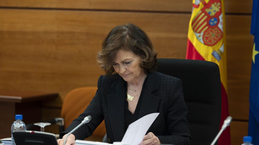 La vicepresidenta Carmen Calvo recibe el alta por coronavirus