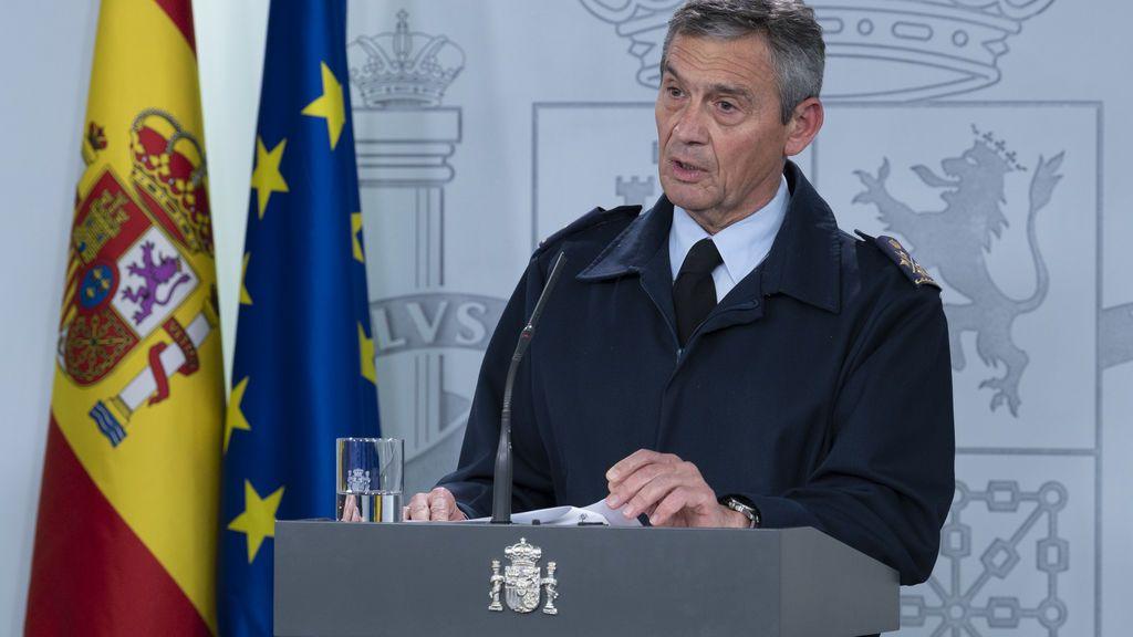 El general Villarroya en rueda de prensa