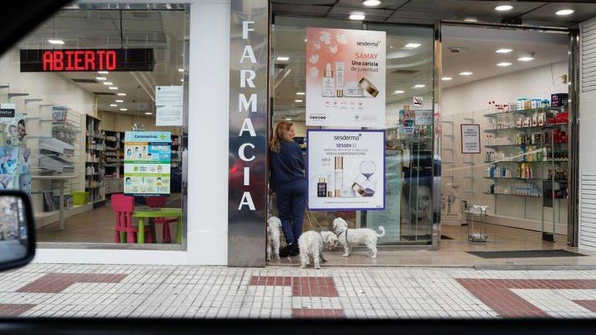 Los pacientes de Madrid que recogían su medicación en los hospitales podrán hacerlo en su farmacia