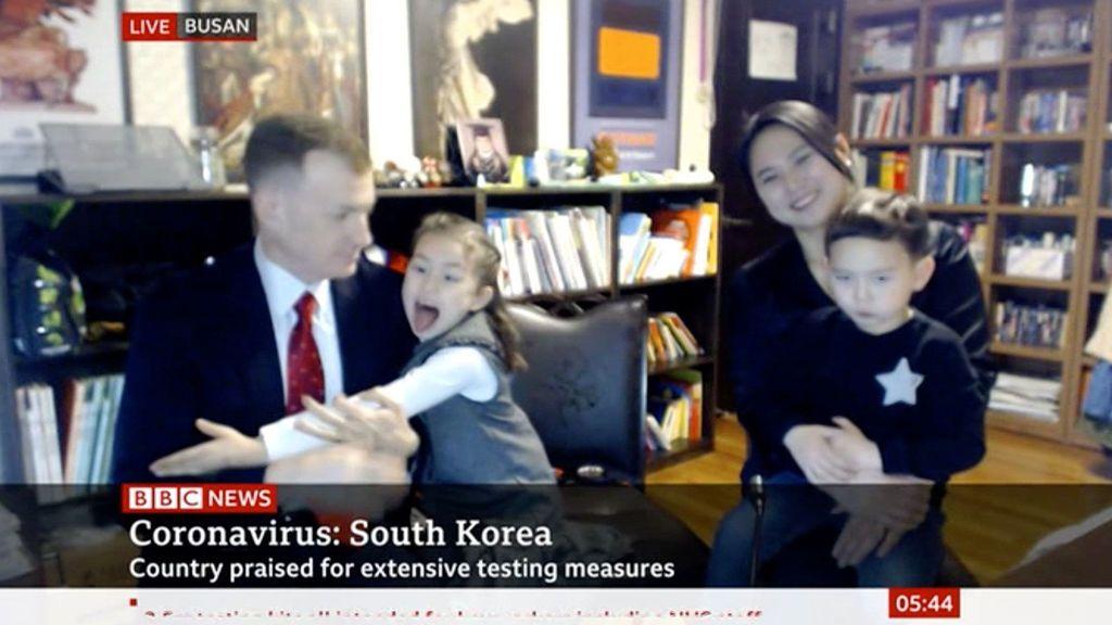 Los hijos de Robert Kelly le vuelven a boicotear una entrevista en directo para la BBC