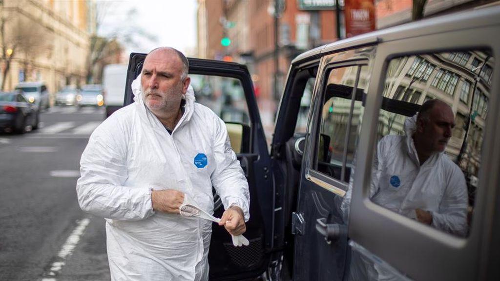 """El chef José Andrés se moviliza para dar de comer a los afectados por la crisis del coronavirus: """"Cubrimos los puntos ciegos del sistema"""""""