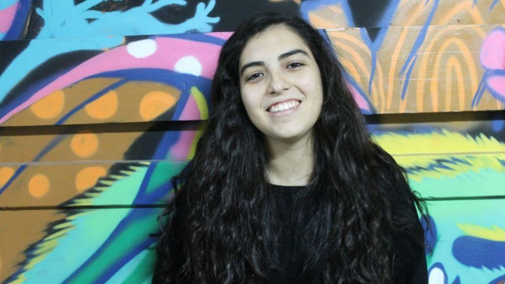 Nerea es hija de un conductor de la EMT que está ejerciendo como voluntario consiguiendo material para los hospitales