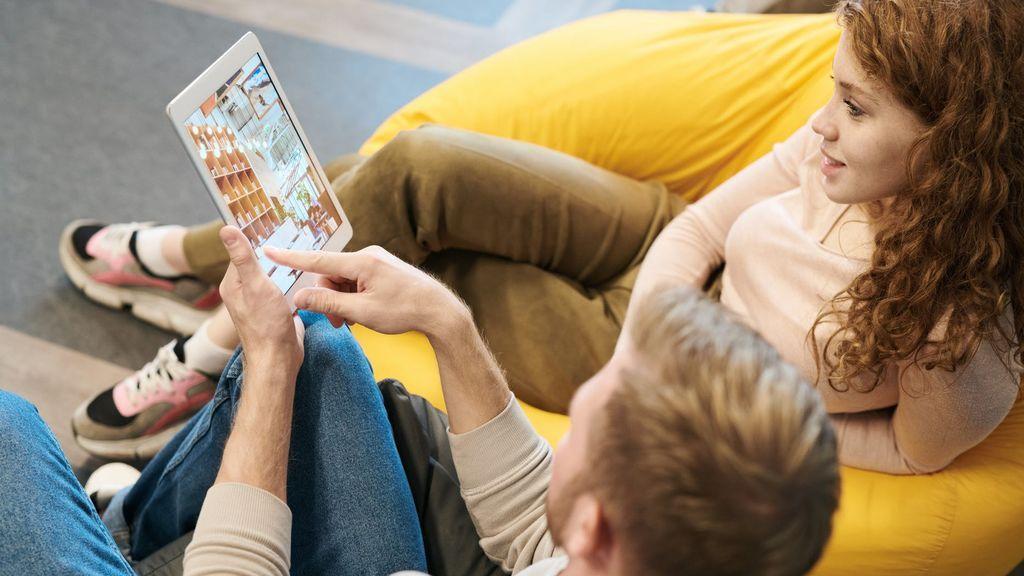 El confinamiento multiplica las horas delante de las pantalla: pautas a seguir para cuidar la vista
