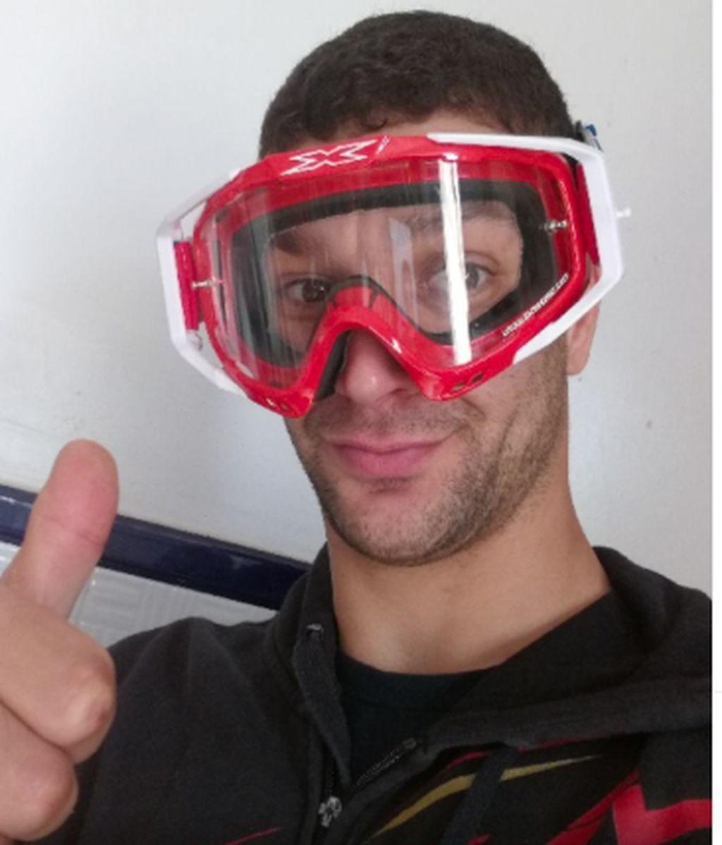 Solución de emergencia ante la falta de material en los hospitales: gafas de motocross contra el coronavirus
