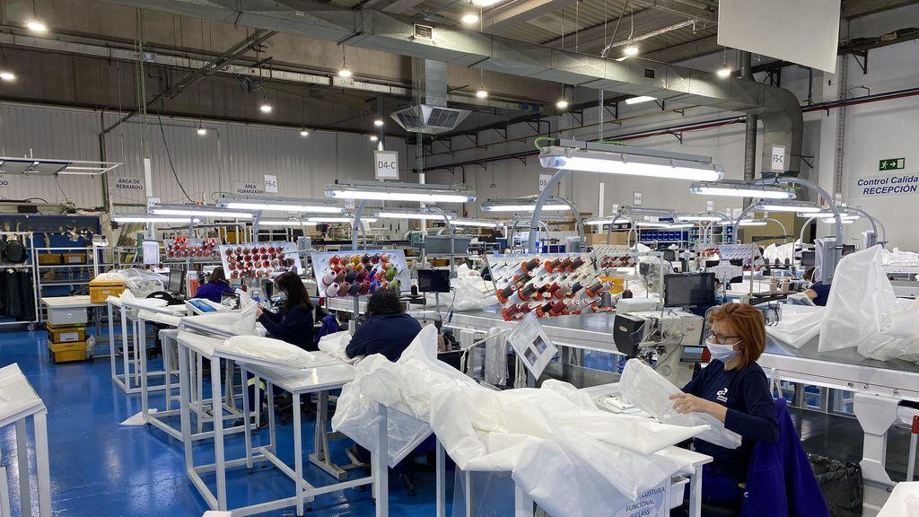 Las empresas se vuelvan contra el Covid-19: de fabricar coches a mascarillas