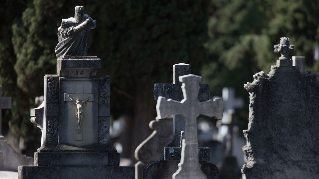 """La funeraria municipal de Madrid celebrará """"ceremonias de despedida"""" por videoconferencia"""