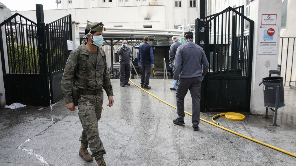 Muere un anciano con coronavirus tras precipitarse por una ventana de un hospital en Granada