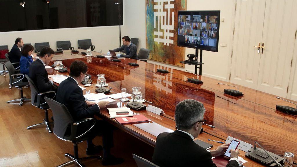 Pedro Sánchez en la videoconferencia con presidentes autonómicos