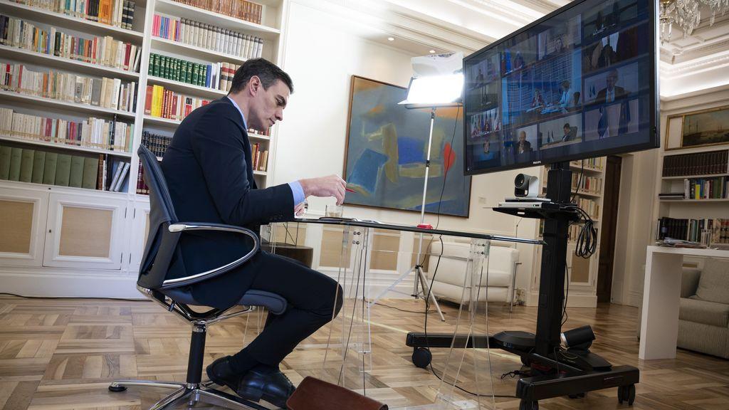 Sánchez admite a los presidentes de CCAA el retraso en el material