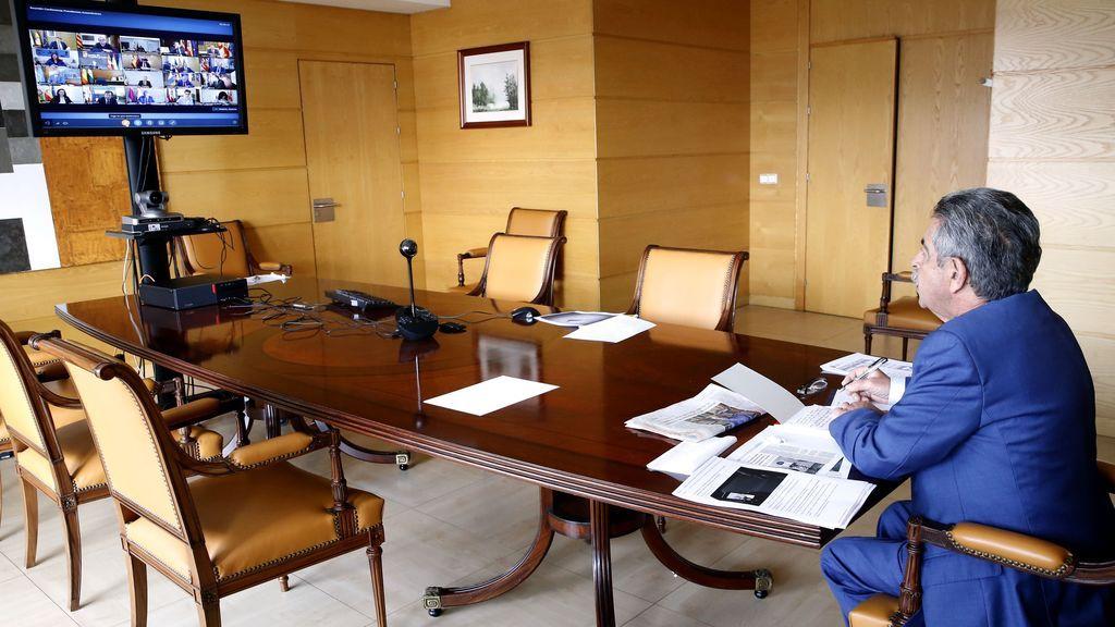 Miguel Ángel Revilla en su reunión los presidentes autonómicos y Pedro Sánchez