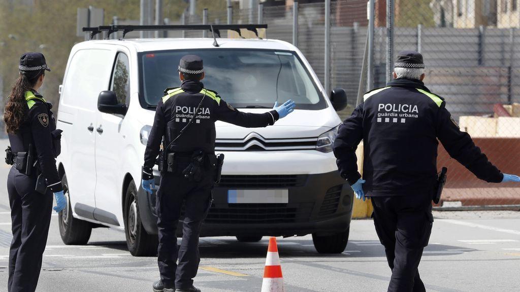 Dos jóvenes detenidos por circular por Badalona transportando hachis para la venta: el conductor no tenía puntos