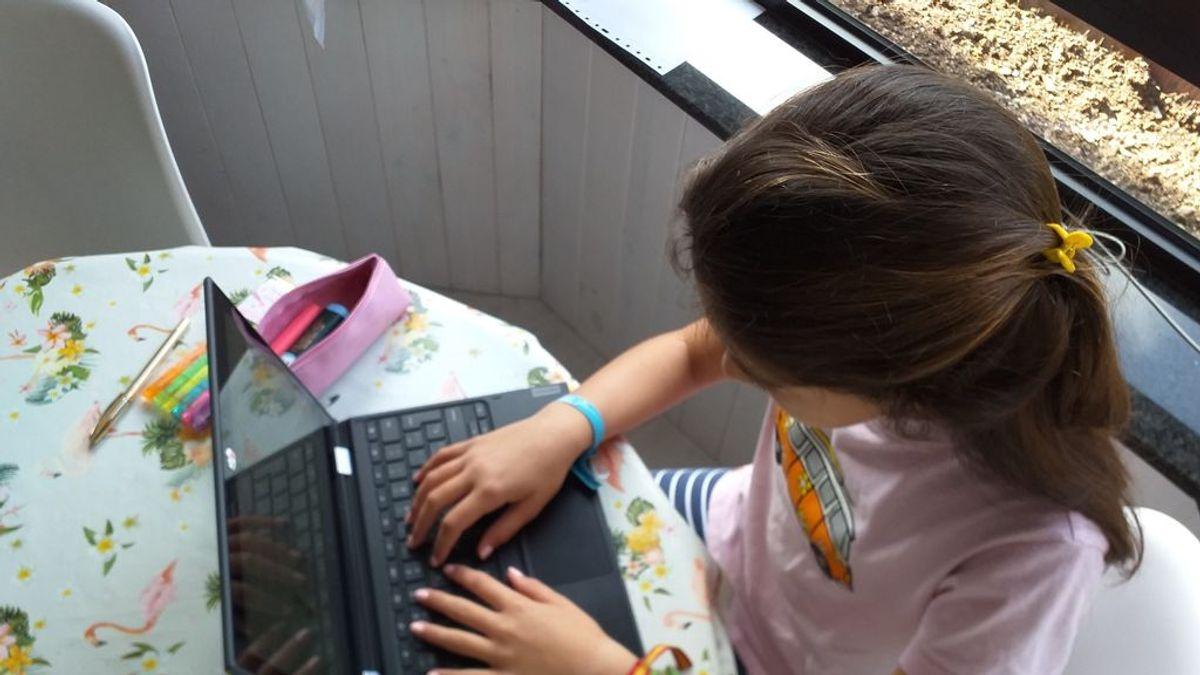 Confinamiento por el Covid-19: Ellas dedican el doble de tiempo que ellos a los niños, según Funcas
