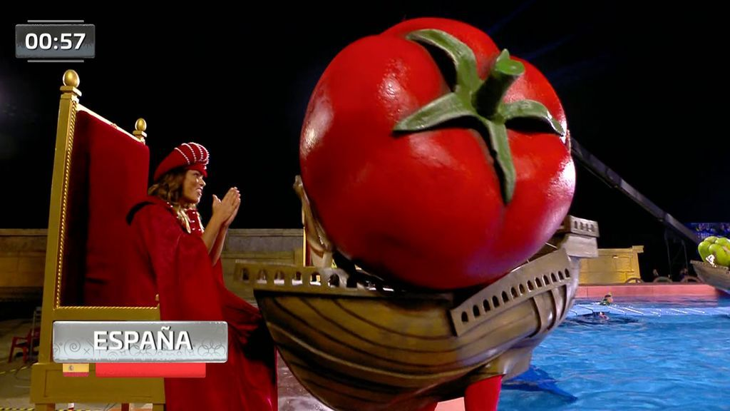 Lara Álvarez se mete en la piel de Isabel la Católica en la prueba de 'Las tres carabelas'