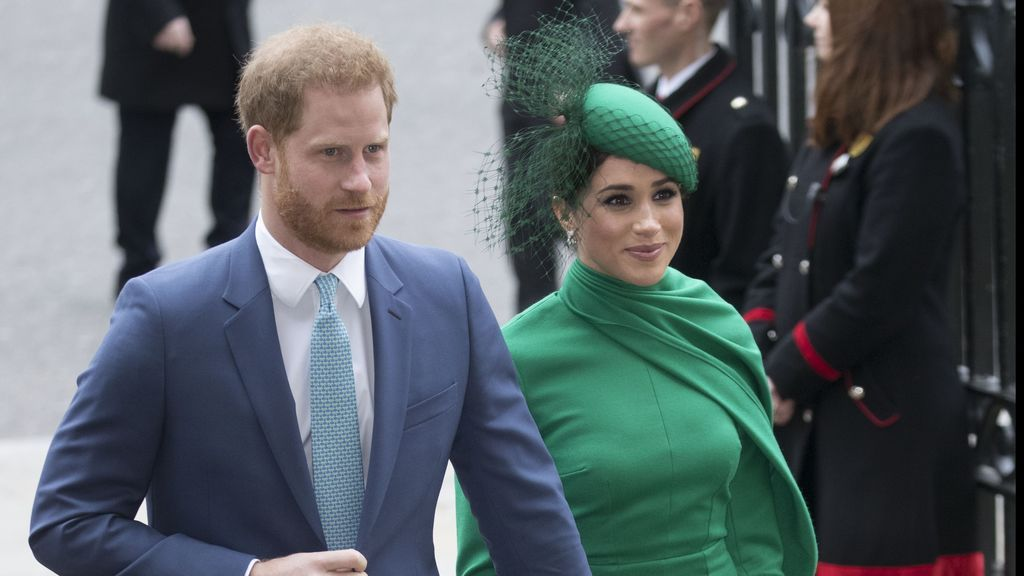 El adiós descafeinado de Harry y Meghan a la realeza, contaminado por el coronavirus