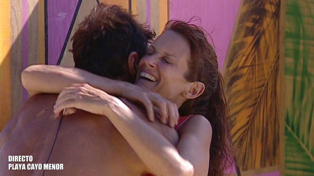 "Elena rompe a llorar tras reencontrarse con Hugo: ""Me alegro tanto de verle"""
