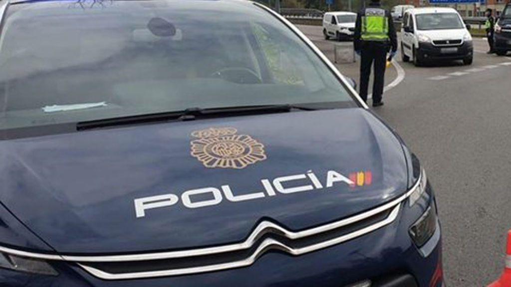 Apedrean a un grupo de policías en Melilla cuando reducían a un joven por saltarse el confinamiento