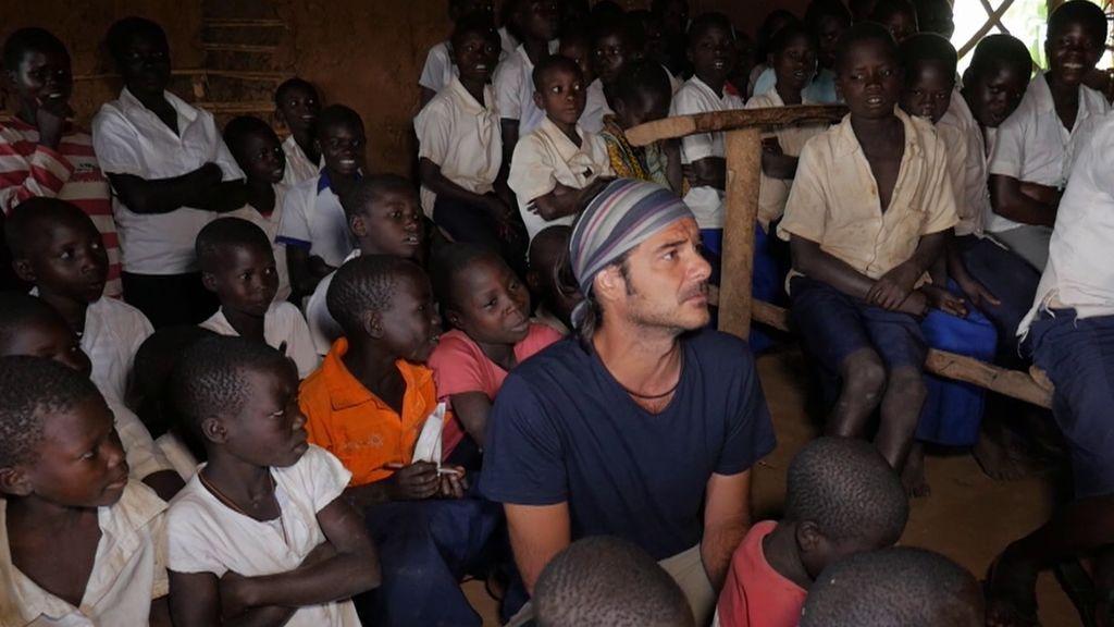 Cómo funciona una escuela tradicional en el Congo: el precio es de tres dólares al mes por alumno