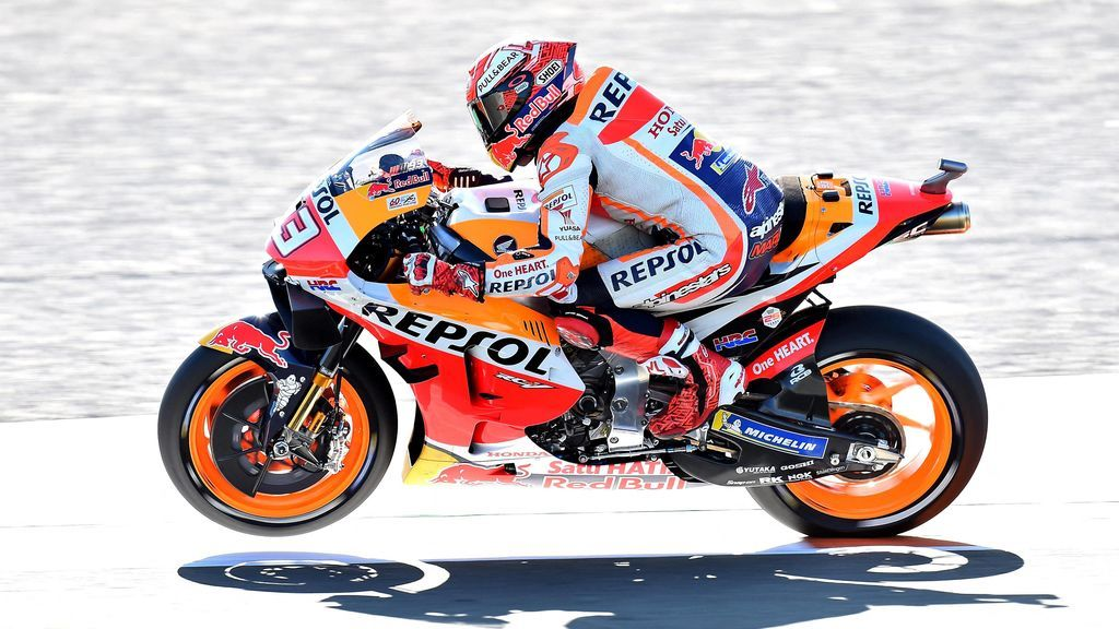 Marc Marquez piltando su moto Honda