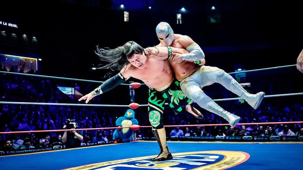 Diferencias entre WWE y lucha libre - Deportes Cuatro