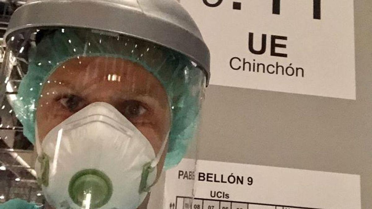 Alberto, el sanitario que pasó su cumpleaños entregando mensajes a los pacientes aislados de IFEMA