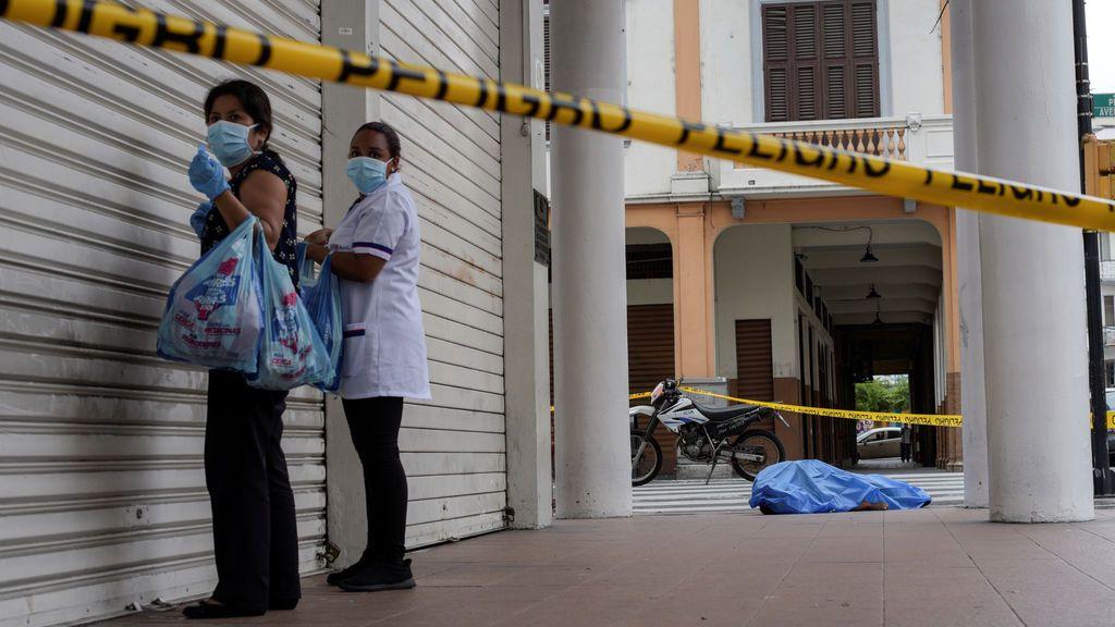 Ecuador: los cadáveres se acumulan en las calles de Guayaquil, desbordada por el coronavirus