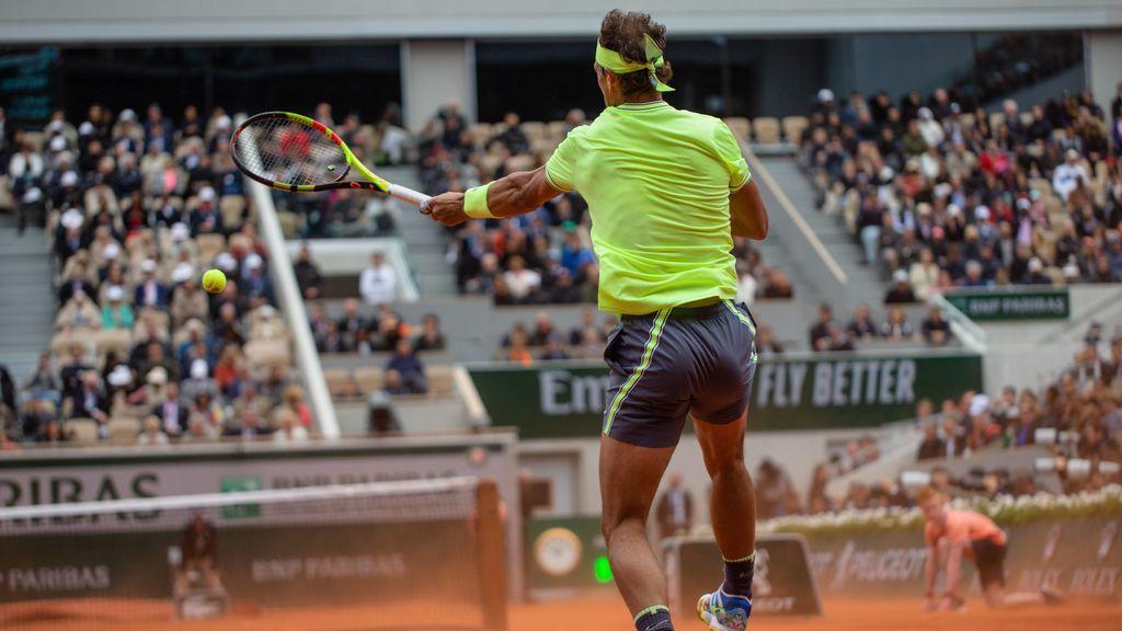 Rafa Nadal jugando el torneo de Roland Garros