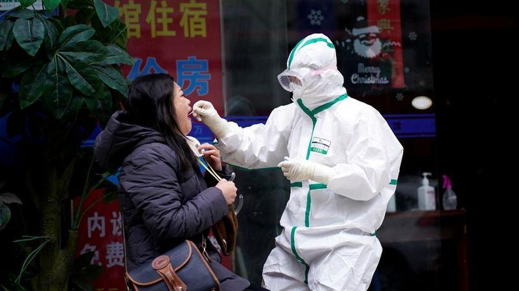 Test rápido de coronavirus en las calles de China