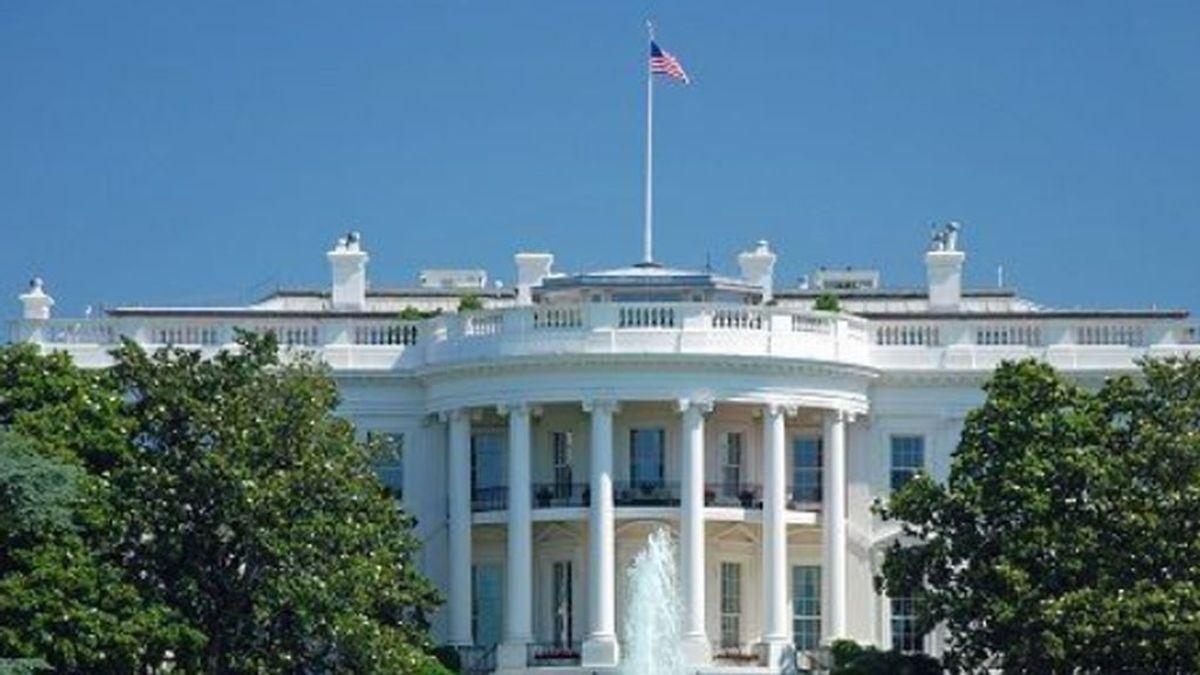 La Casa Blanca recibe informes que señalan que el coronavirus se puede transmitir con la respiración y al hablar
