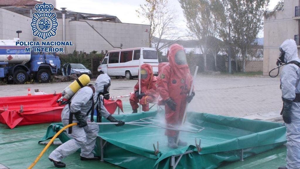 La fuga de un infectado por coronavirus obliga a actuar a la policía y a los TEDAX