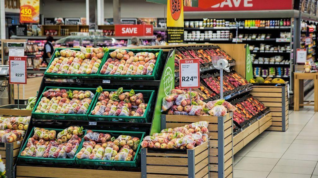 La Guardia Civil anuncia el listado de productos básicos que justifican ir al supermercado