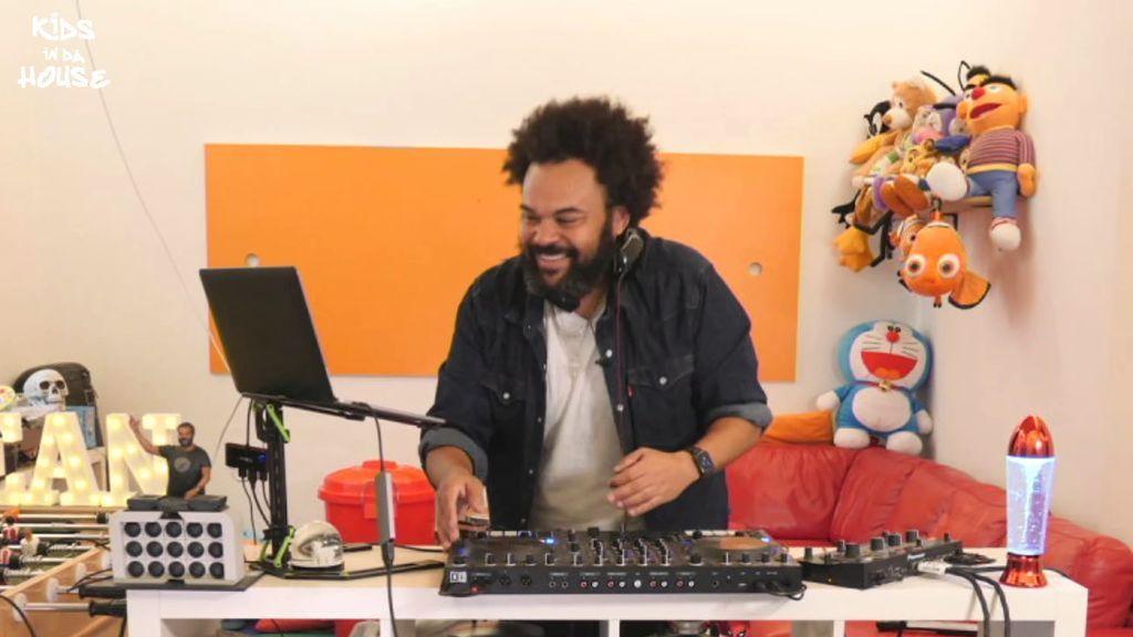 Gran éxito de 'Kids in da house': las familias y los más peques bailan al ritmo de Carlos Jean en Mitele
