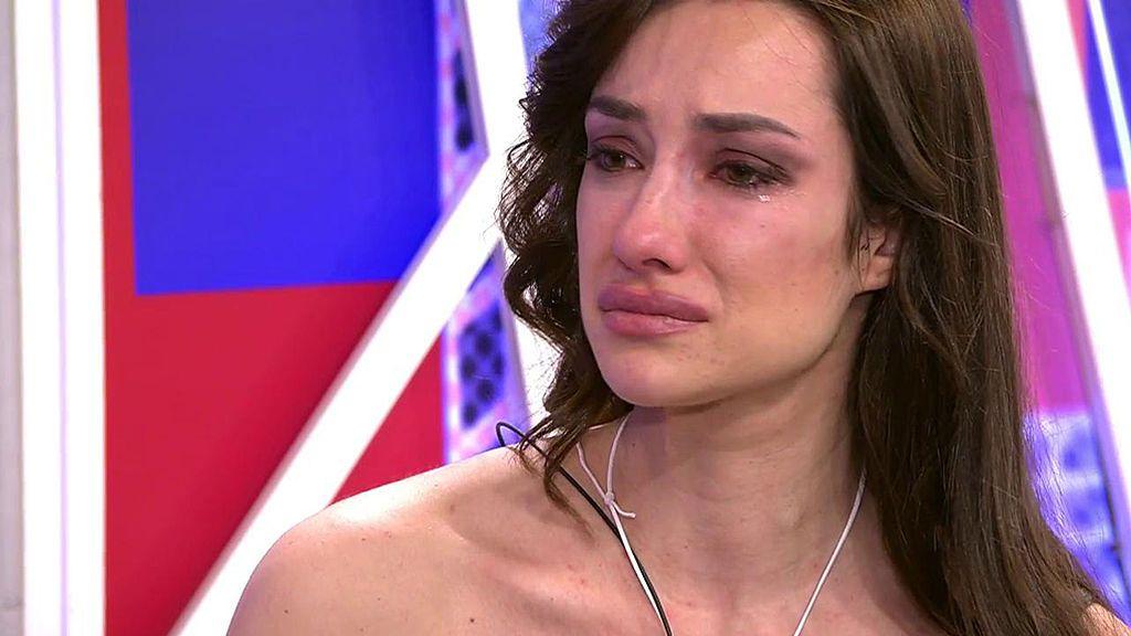 Adara quiere reconciliarse con su padre