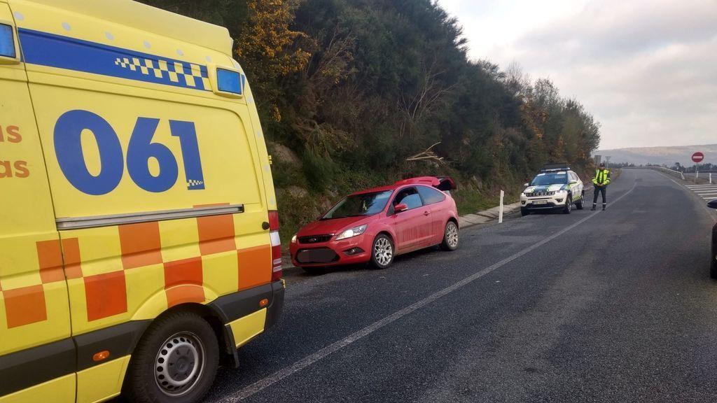 La Guardia Civil asiste un parto en un arcén de una autopista en Lugo