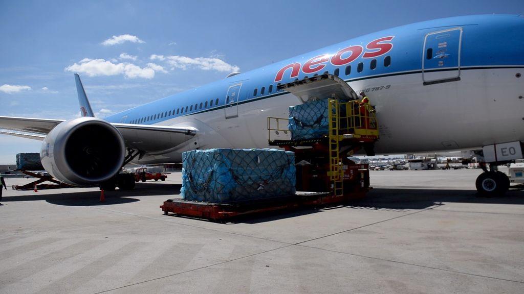 Llega un primer avión a Madrid desde China con 2,5 millones de mascarillas