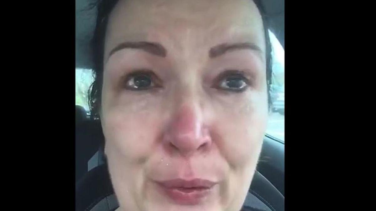 """Una enfermera pide entre lágrimas permanecer en casa: """"Estamos devastados"""""""