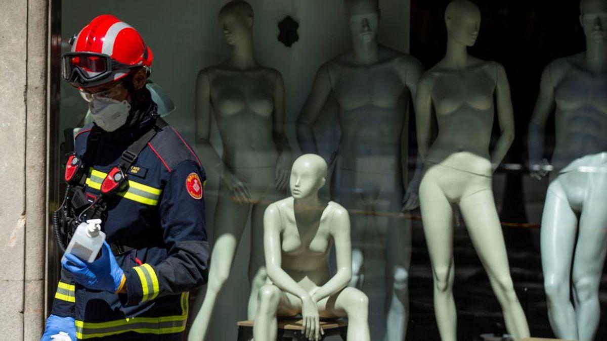 """José, bombero de Madrid: """"Las salidas son para abrir puertas porque la gente se está muriendo sola en sus casas"""""""
