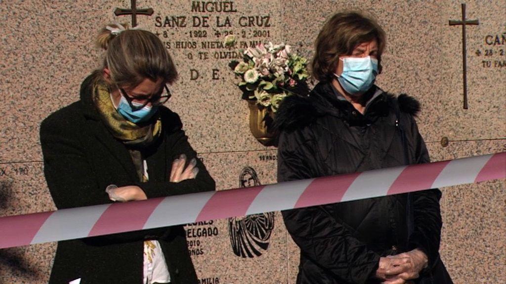 Así son los entierros de las víctimas del coronavirus