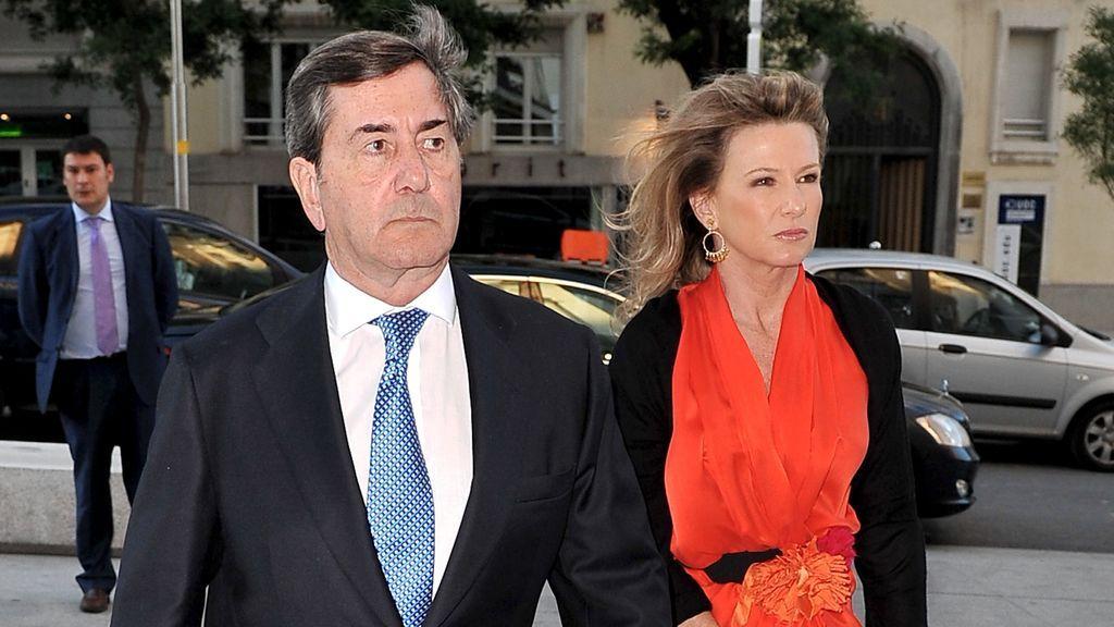 Su mujer Myriam Lapique, su hermano Alberto y sus dos hijos: el entorno familiar de Alfonso Cortina